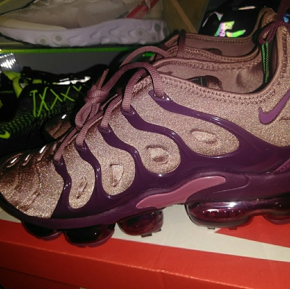 check out f3d38 ed504 Size 12 women, Nike vapormax plus NWT